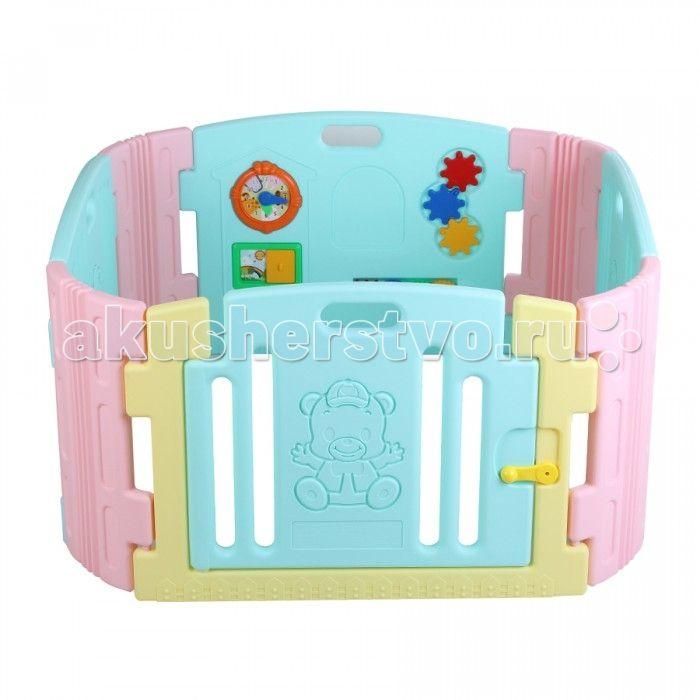 Edu-Play Ограждение-манеж с игровой панелью  Ограждение-манеж с игровой панелью - неотъемлемая часть детской комнаты. Можно использовать с ясельного возраста. Ребенок находится в безопасности, даже если вы его не видите. И к возрасту 3 лет манеж послужит игровой зоной вашему ребенку.  В комплект входит: игровая панель панели - 6 шт дверная панель с нарисованным Мишкой - 1 шт дверная рама - 1 шт дверной замок - 1 набор набор наклеек для украшения  Размер: 116х116х60 см