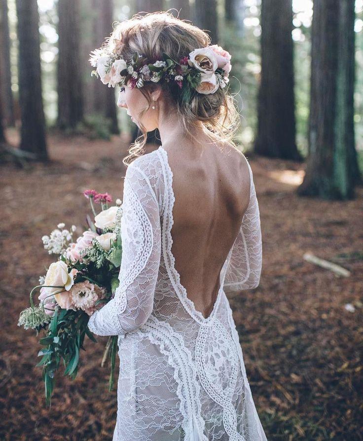 Bom dia amores! Pra começar a quinta um vestido lindo da @grace_loves_lace que você pode comprar pela loja online deles!
