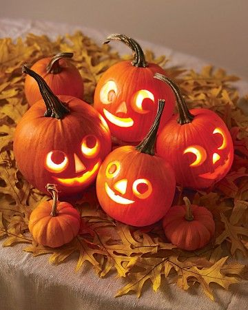 Mini Jack-o'-Lanterns Centerpiece