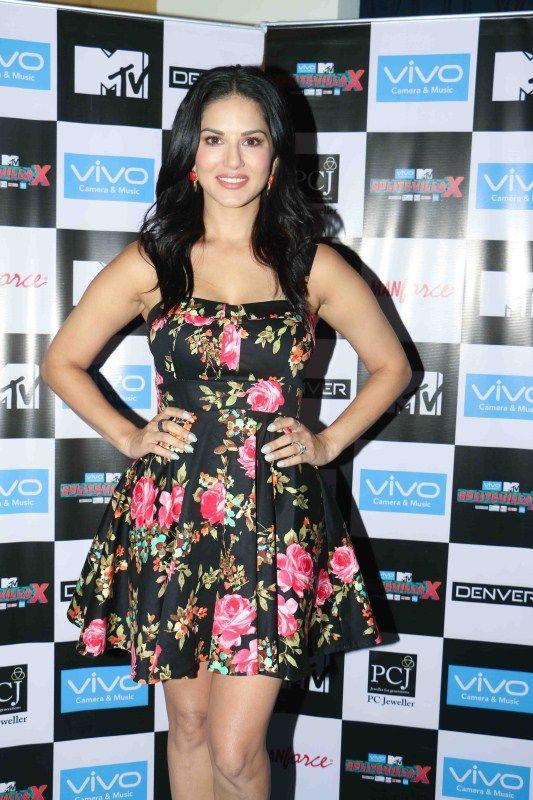 Sunny Leone promotes Splitsvilla reality show in Mumbai (21)