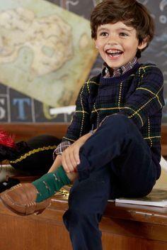 Pull en tricot écossais pour garçons signé Ralph Lauren : ce beau pull en laine mélangée est parfait pour tenir chaud à votre petit homme. Associez-le à une chemise Oxford pour un look habillé ou à un jean pour un style plus décontracté.