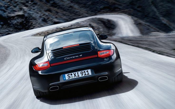 Black Porsche 911 Carrera 4
