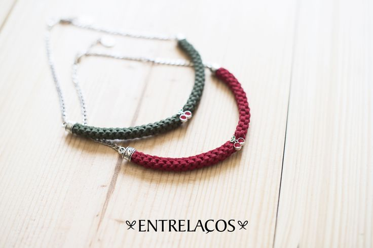 Necklace Handmade Entrelaços  https://www.facebook.com/entrelacoscolaresartesanais?ref=hl