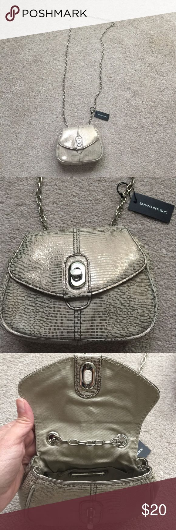 Banana Republic mini bag Very cute evening bag!! Mini size, my iPhone+ doesn't fit. It's great for a lipstick, compact mirror, credit cards, keys. Gold color, chain strap that can be doubled to make shorter. Banana Republic Bags Mini Bags