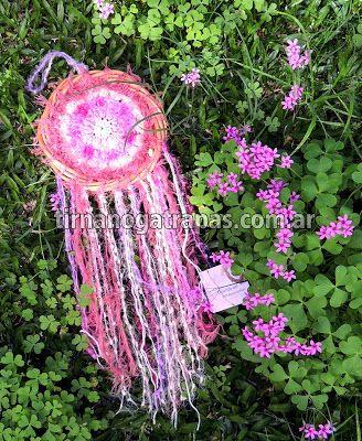 Atrapasueños Crochet fucsia www.tirnanogatrapas.com.ar