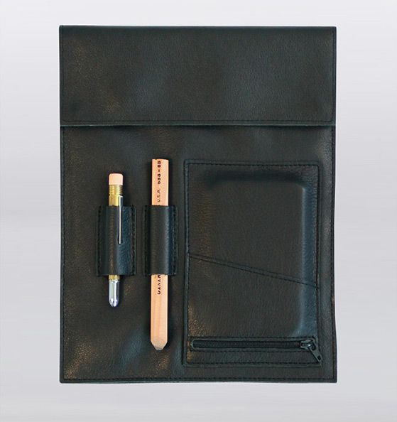 Need to charge on the go and store your iPad Air at the same time, This is Ground's Cargito Air Charging iPad Sleeve does just that in an elegant design.
