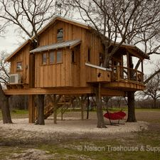 http://www.nelsontreehouseandsupply.com/farmhouse-treehouse.html