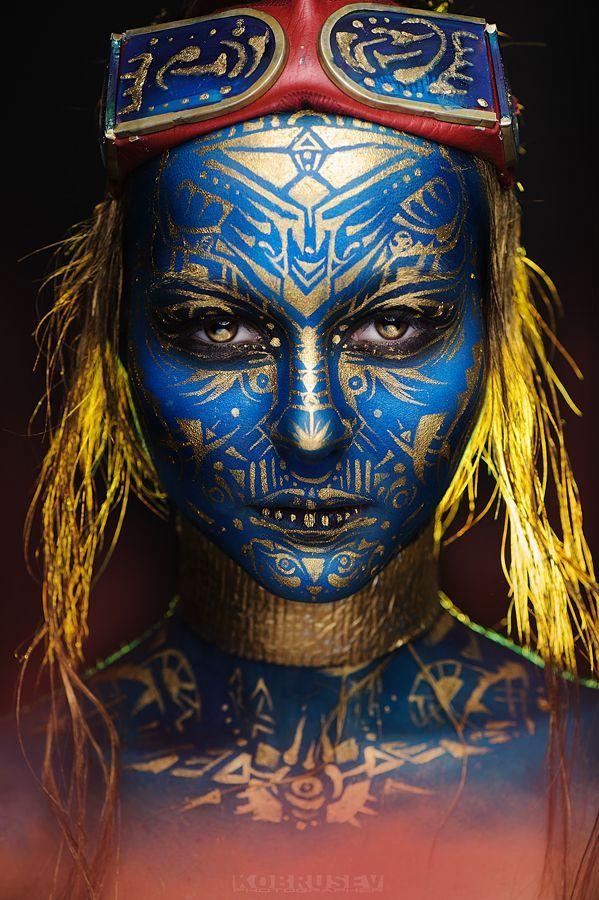 ::::ﷺ♔❥♡ ♤✤❦♡  ✿⊱╮☼ ☾ PINTEREST.COM christiancross ☀ قطـﮧ ⁂ ⦿ ⥾ ⦿ ⁂  ❤❥◐ •♥•*⦿[†] :::: blue and gold face