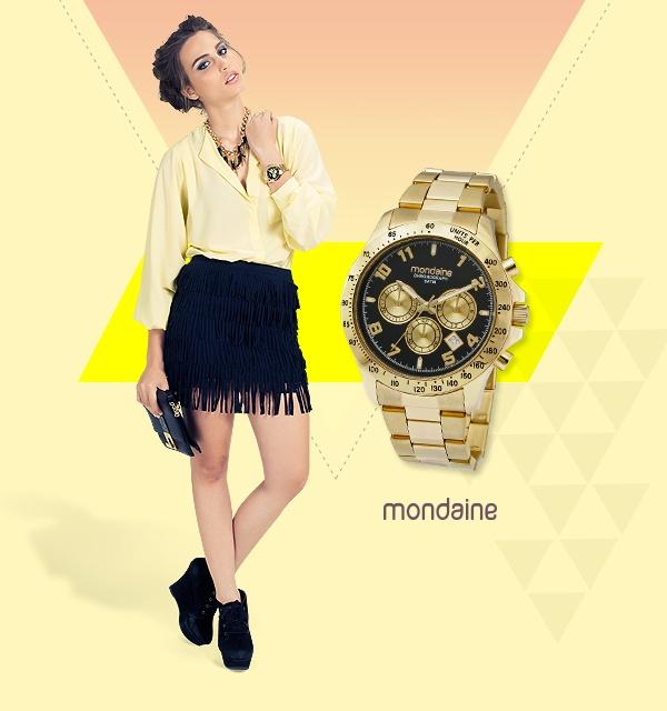O relógio dourado com fundo preto é perfeito para misturar com acessórios coloridos. Ref: 78158LPMGDA7