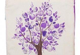 Torba z ręcznie malowanym fioletowym drzewem. Tote bag with hand-painted violet tree.