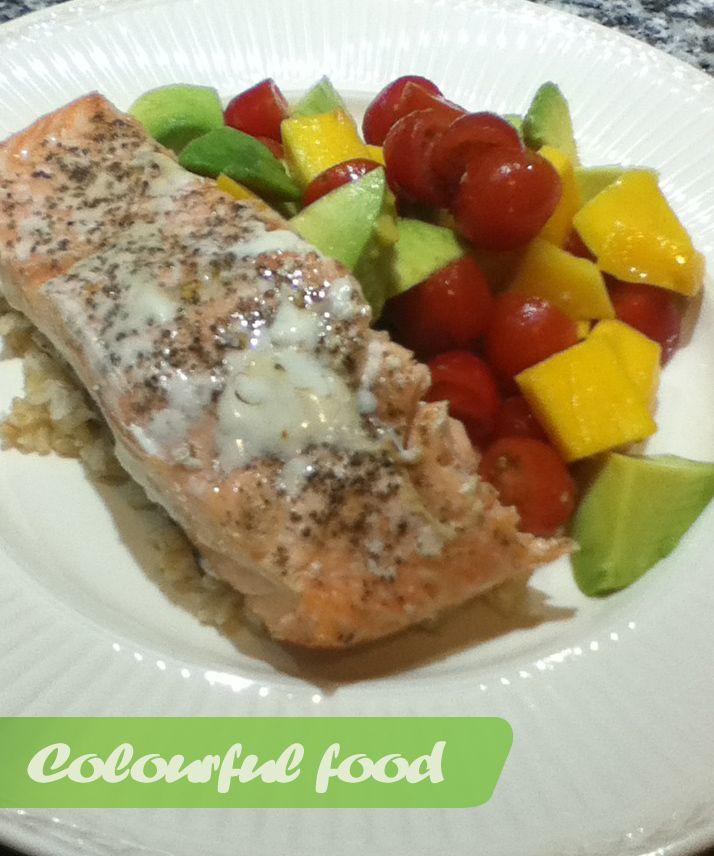 Salmon with mango, tomato and avocado salad