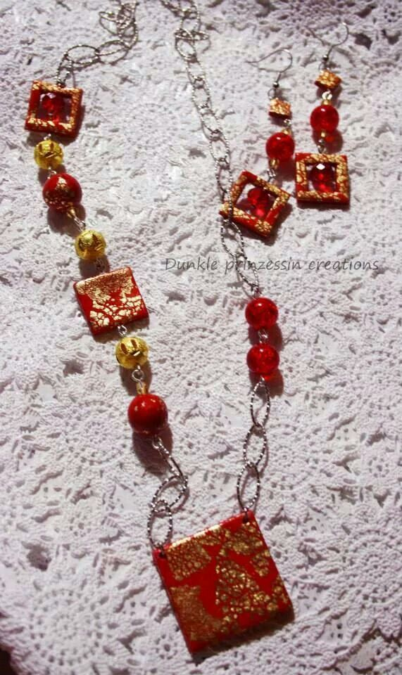 Necklace with gold leaf **