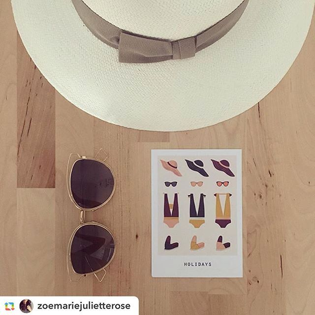 Notre Polacard Holidays bien entourée chez @zoemariejulietterose 😎 Merci !  #chapeau #sunglasses #bikini #maillotdebain #espadrilles #retro #baindesoleil #swimsuit #holidays #swim #pool #sun #instagram #pramax #madeinfrance #illustration #polacards #papierrecycle #papeterie #monday #postcards #deco #lyon #igerslyon #instadaily #instadeco #chill