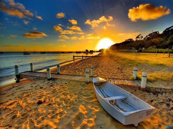 tilestwra.com -  Φανταστικές εικόνες από ηλιοβασιλέματα στη θάλασσα