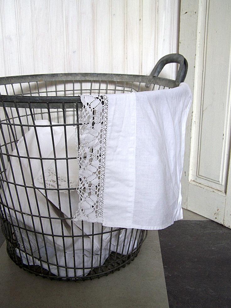 Wasmand met linnen