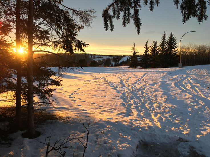 Alas Sun. As you fall into crepuscular, thank you for your golden illumination of the land and hills. [] Creativity sponsored by www.thebestrate.ca