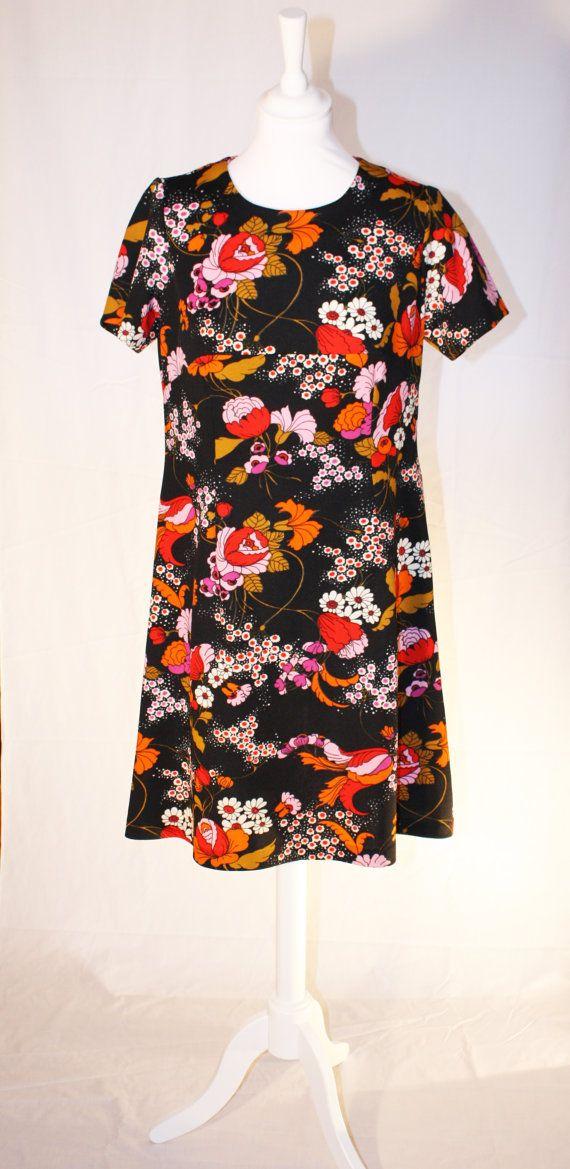 Black dress with retro flowerprint by RoxygoesRetro on Etsy, €35.00