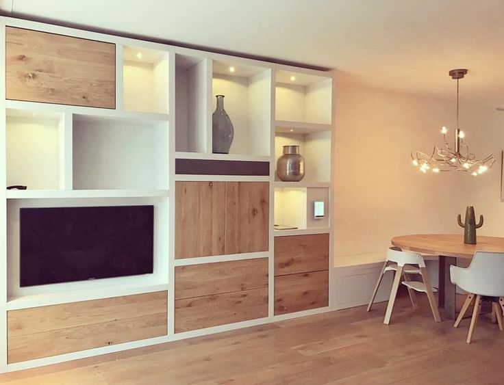 99 vind-ik-leuks, 7 reacties - SIJMEN Interieur (@sijmeninterieur) op Instagram: 'Naast prachtige keukens maken wij ook handgemaakt meubilair op maat. #wandkast #eikenhout #bank…'