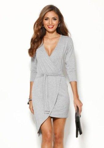 Ani když jste milovnicí sportovního stylu tak si nemusíte odpírat šaty;) #modino_cz #modino_style #dress #grey #style #fashion