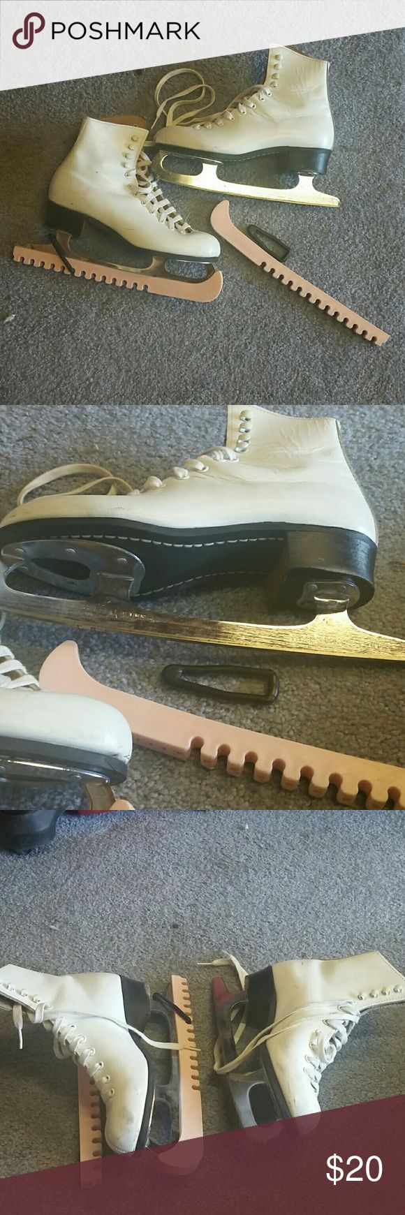 Size 5 Ice Skates White Ice Skates with blade protector and carry on case. Riedell Shoes