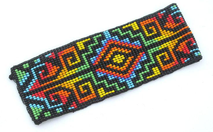 Pulsera con cuentas de semilla. Diseño nativo. Único arco iris