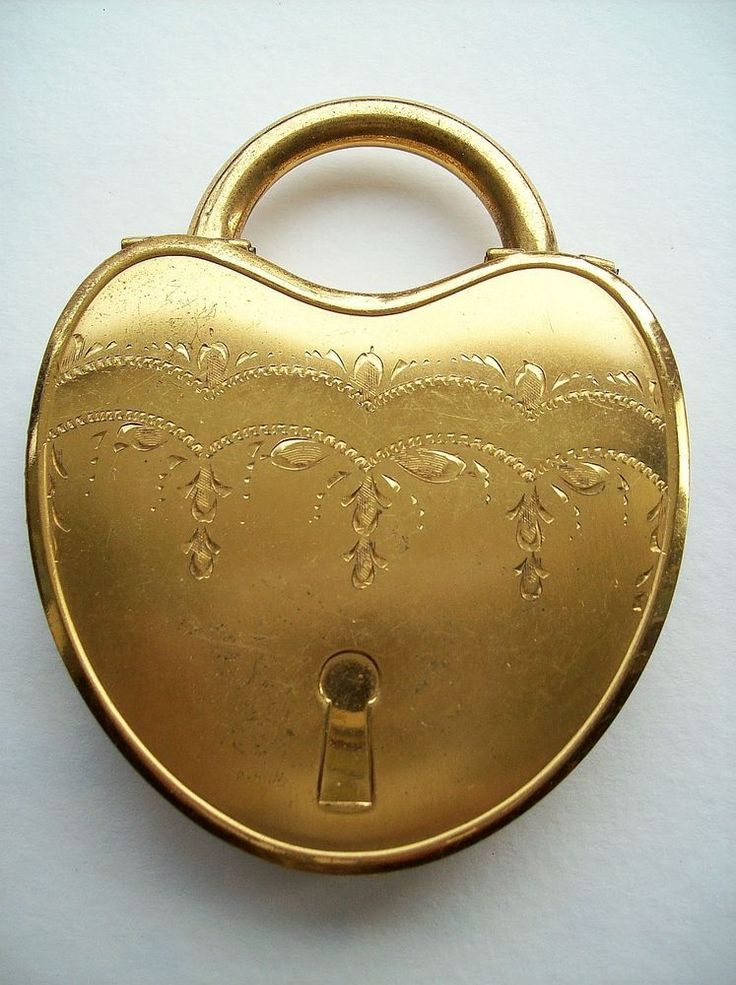 Vintage La Mode Heart Shape PAD LOCK Figural Powder ...