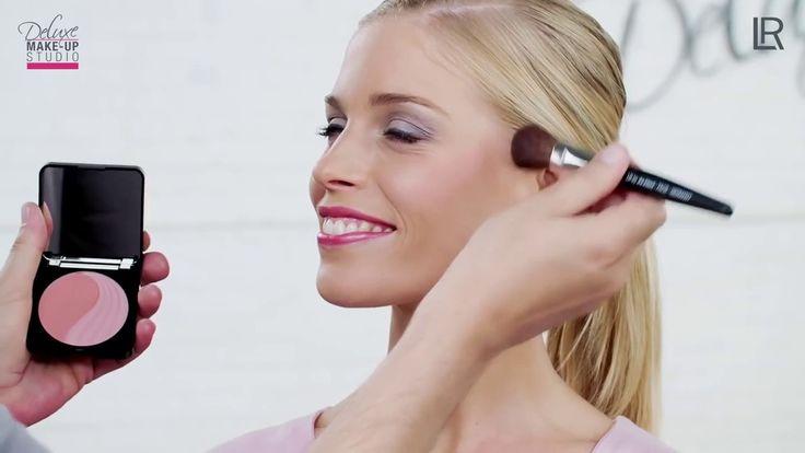 Deluxe Make up Studio – Modern Day Look