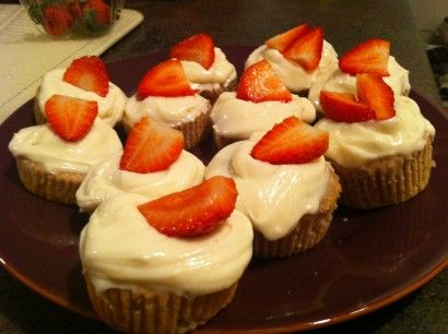 Strawberry Cupcakes with Low Fat Cream Cheese Frosting | Recipe