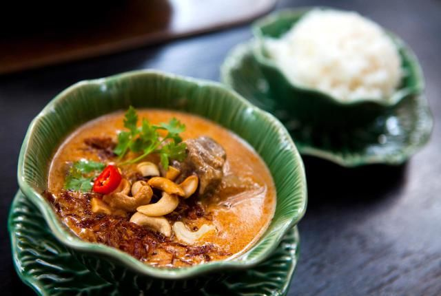 Massaman curry hails from the south of Thailand. Similar to Malaysian curries, and with some similarities to Indian cury, Thai Massaman curry has an abundance of warm spices such as cinnamon, cloves, and nutmeg. With lemongrass, fish sauce, and other classic Thai ingredients added, this curry paste is brimming with all the flavor and richness of Asian cuisines. Use it to make a wonderful curry chicken, or vegetarian curry by adding wheat gluten or tofu plus lots of vegetables. Enjoy!