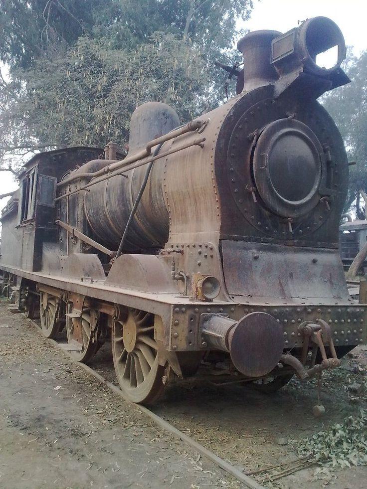 Locomotiva 3185 da Vulcan Foundry no Paquistão, construída em 1916.  Autoria de Sandro Marcos.