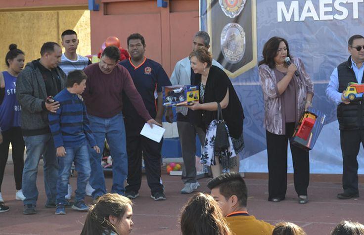 Entrega Gobierno Municipal a la AMANC juguetes donados por personal de la DSPM | El Puntero