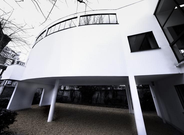 Villa La Roche by Le Corbusier, Paris