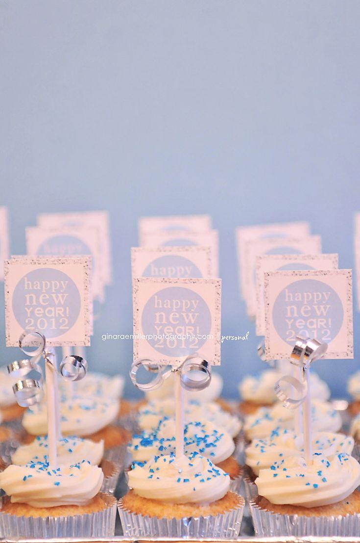 New Years cupcake free printable!Printables Cupcakes, Cupcakes Ideas, Eve, Years Cupcakes, Cupcakes Toppers, Cupcakes Free, Cake Cakedecorating, Cupcake Toppers, Cakedecorating Cupcakes