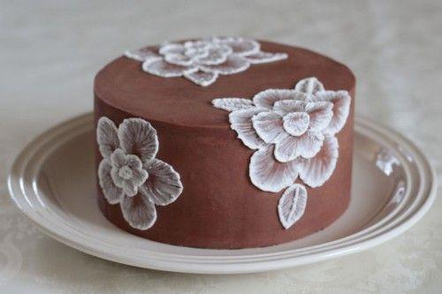 Kage med pensel broderi / Brush embroidery cake
