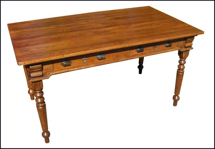 Antico tavolo da cucina in rovere appena restaurato