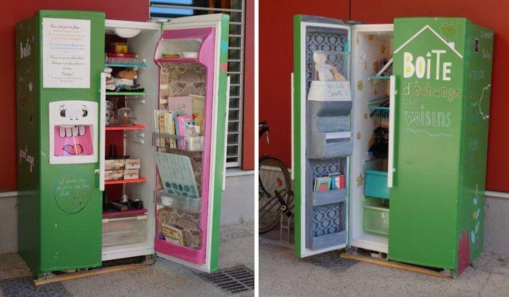Ce vieux réfrigérateur a démarré une nouvelle vie sous forme de grande boîte à dons. © Boîte à partage