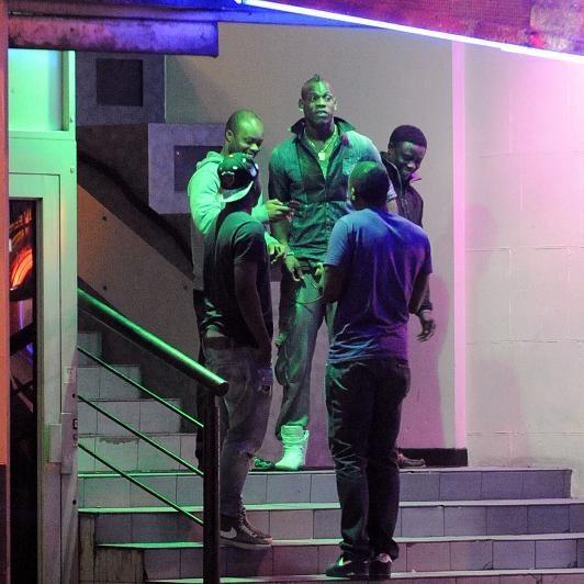 Balotelli leaving a strip club at 2.45 am #SuperMario