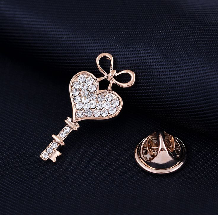 2017 rhinestone brooch pins key for wedding dress pins and brooches for women scarf unique brooch danbihuabi jewelry