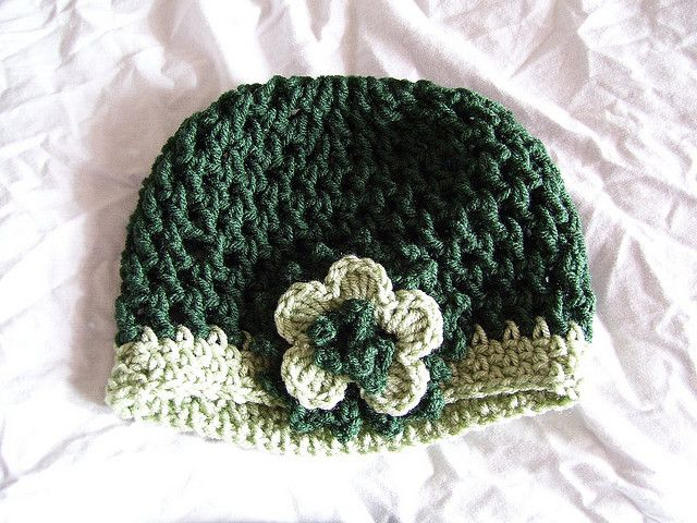Cloche with Small Flower: Crochet Beanie Pattern, Flowers Hats, Crochet Cloche, Free Crochet, Vintage Hats, Crochet Hats Patterns, Crochet Patterns, Free Patterns, Small Flowers