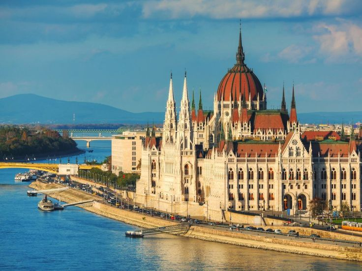 Budapest Parliament Palace seen on the shore of Danube river #trivo