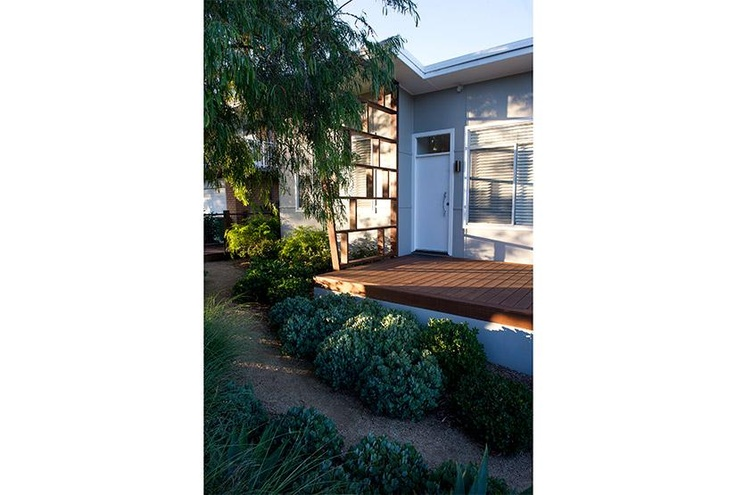 www.stayz.com.au/83446   Beach Cottage, North Avoca Australia