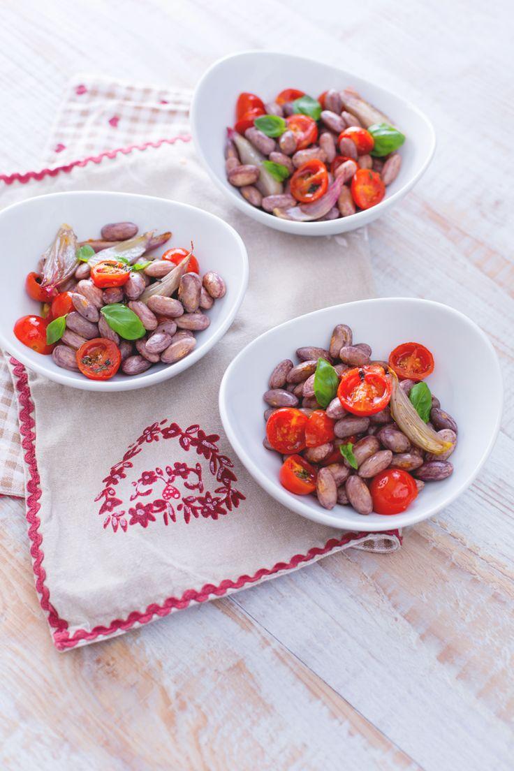 L'insalata di #borlotti freschi è una carica di fibre e di energia, un piatto semplice e salutare per rifocillarsi con gusto nelle soleggiate giornate d'estate! (healthy and easy beans salad)