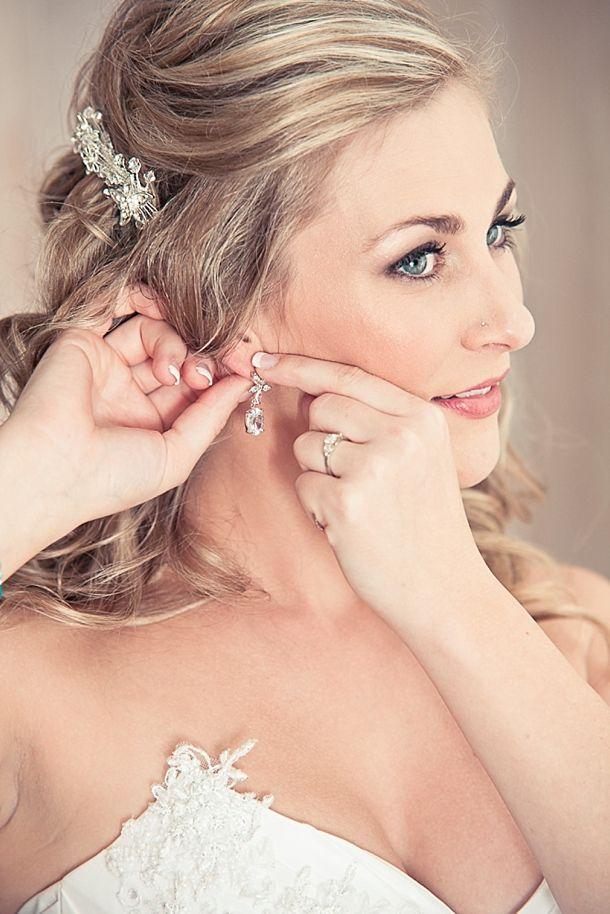 brides getting ready | Abigail K