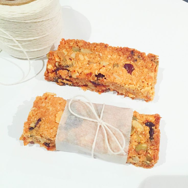 The most delicious muesli bar recipe that is free from sugar, grains, gluten and can easily be adapted to be paleo