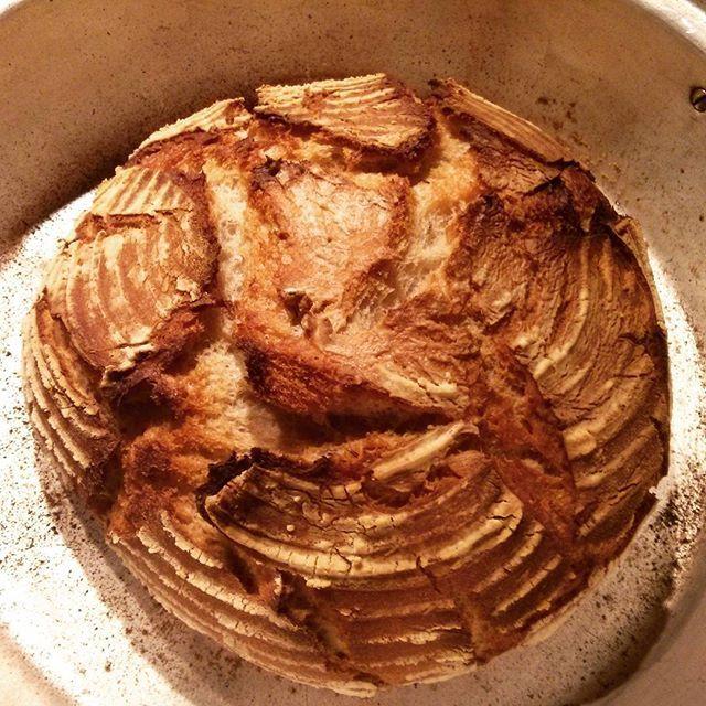 Sourdough bread in Remoska #chleba #kvasok #remoska