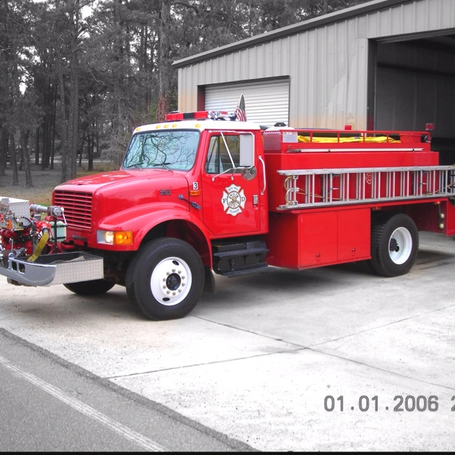 One of my fire trucks after getting shined up: Red Fire,  Fire Trucks, Big Red, Eighteen Wheelers Tractors, Camions Citerne, Wheelers Tractors Trailers, Firefighters Apparatis Firs, Fire Engine