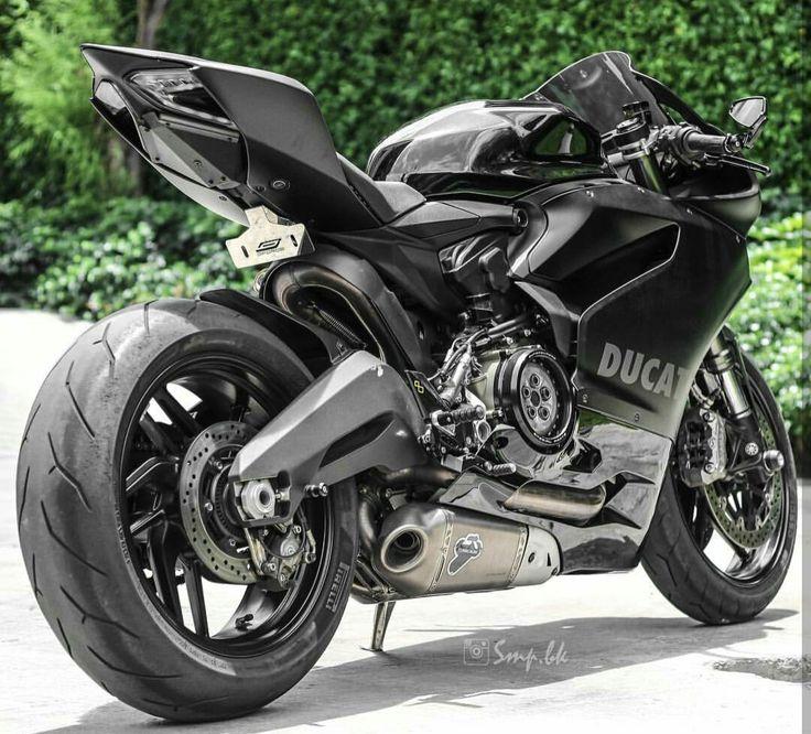 Ducati 899 Panigale Custom Black Stealth