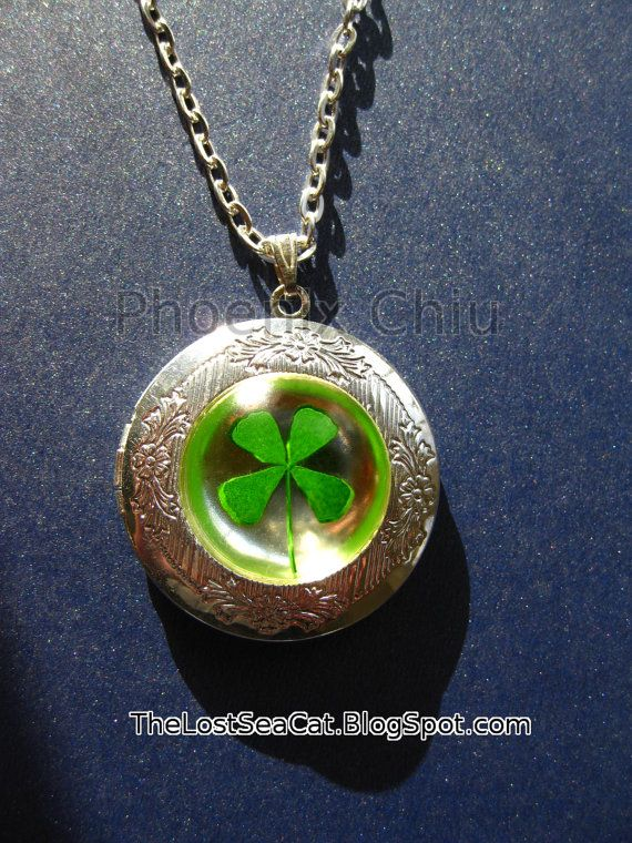 Real Four Leaf Clover Locket Pressed Flower Resin by phoenixchiu