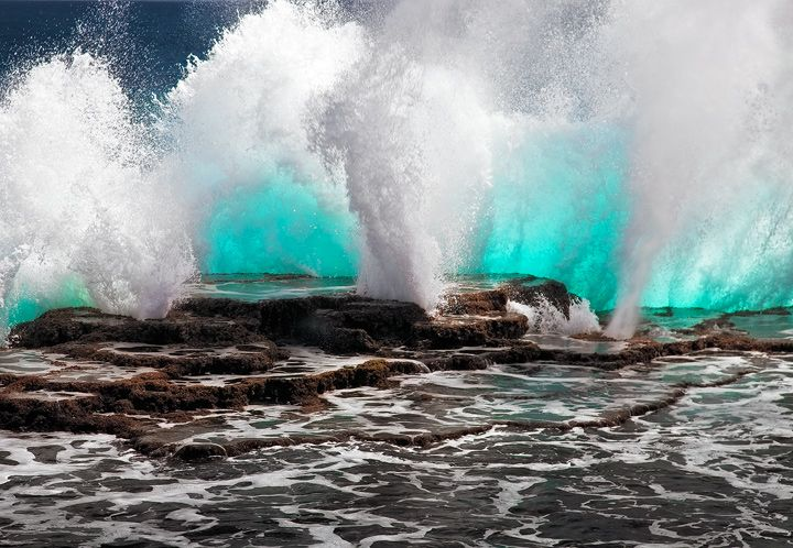 Note: The bursting water of Tongetapu Island, Kingdom of Tonga (c) Michael Anderson