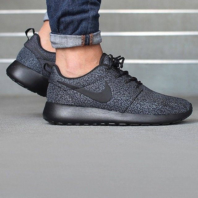 Nike Roshe Run Print Rosherun Flyknit Casual Black OG New in Box